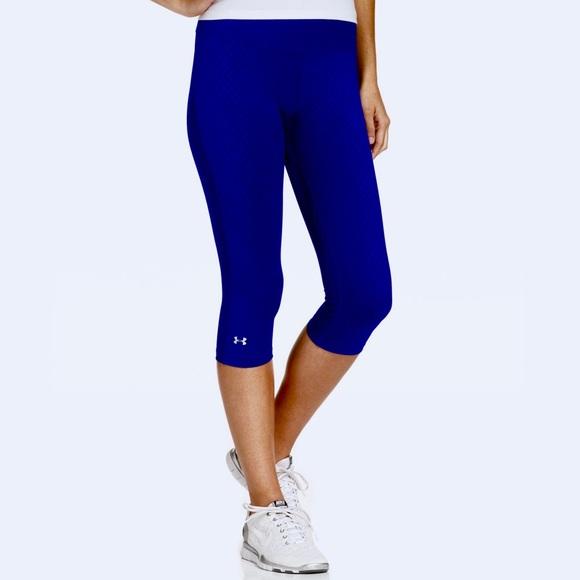 a99072ccabbd09 Under Armour Blue Workout Capri Legging. M_5bbc0ce36197454041d626b6